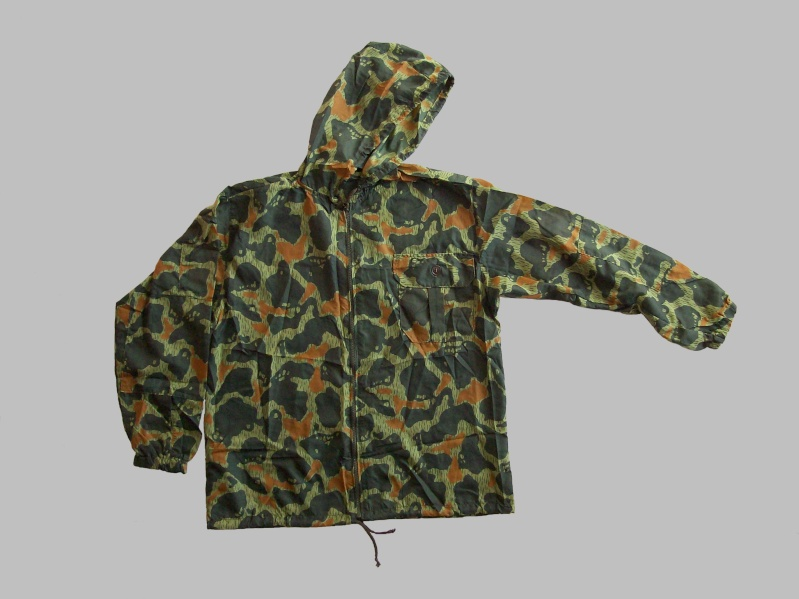 paratrooper garment camouflage build in parachute material 100_9010