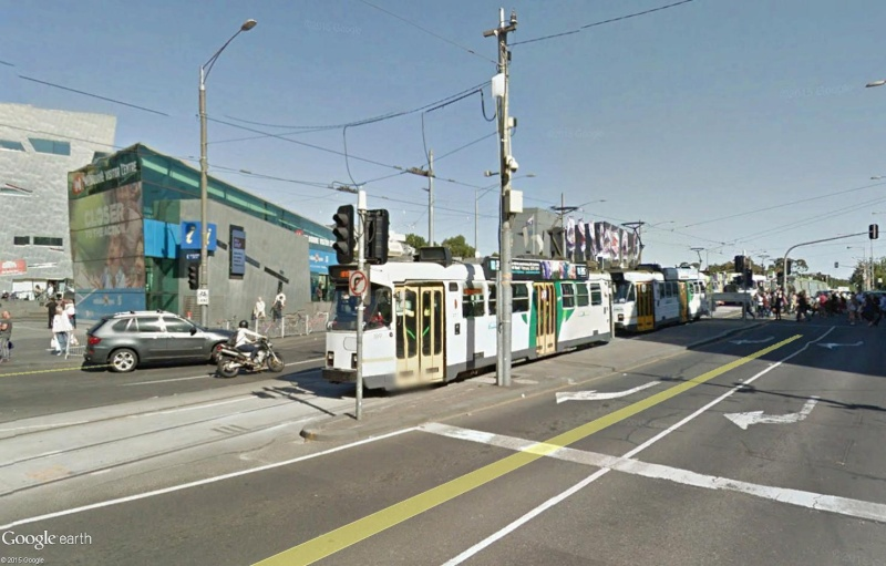STREET VIEW : les tramways en action - Page 2 Sans_124