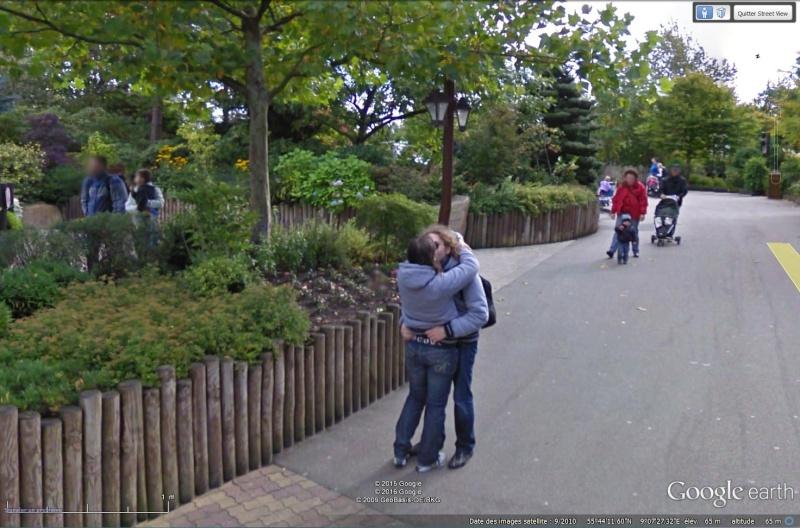 """STREET VIEW : embrassez-vous ... vous êtes photographiés ! (Répliques de la photo """"Le baiser de l'Hôtel de Ville"""" de Robert Doisneau) - Page 2 Sans_350"""