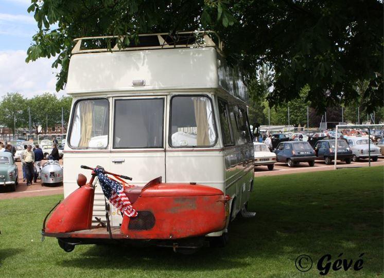 un CURRUS en camping-car.... Capt1409
