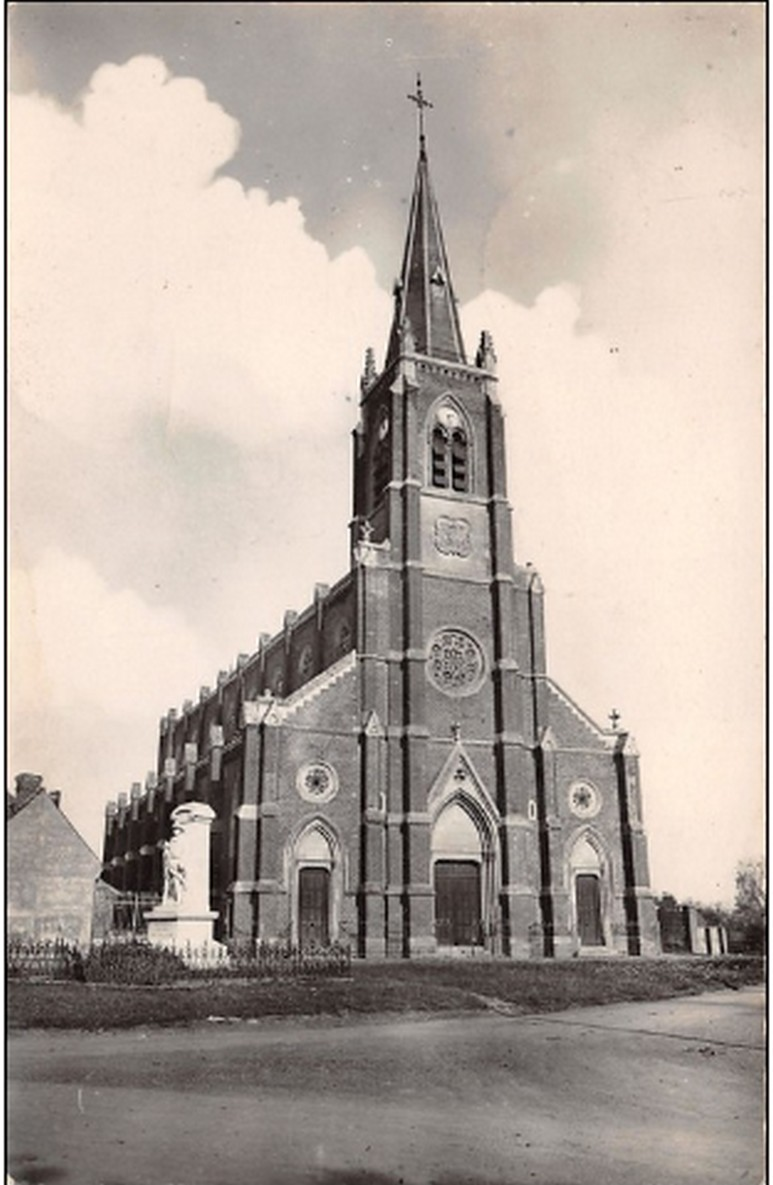 L'EGLISE de Le Quesnel : église Saint léger. Yglise11