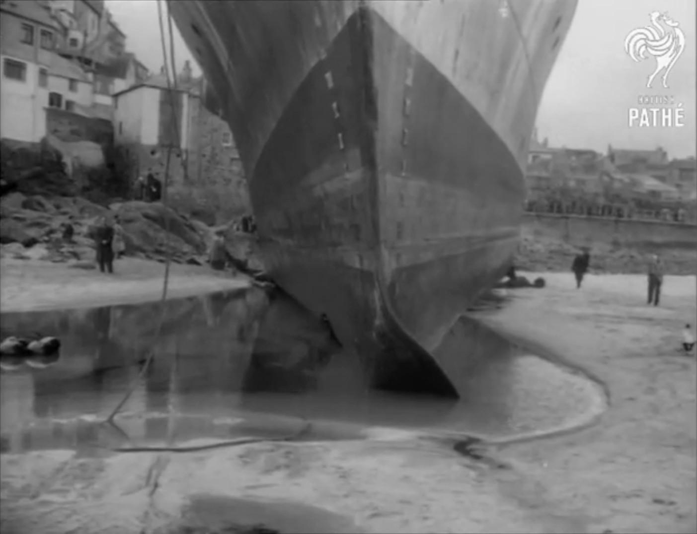 Echouage d'une Algérine britannique en 1952 ! Alger410