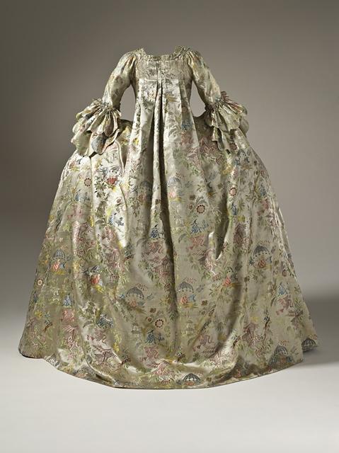 [Vaux 2015] Robe à la française & robe XVIIIe Womane10