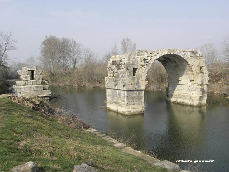 Le pont romain d'Ambrussum à Villetelle (34) 03-p3110