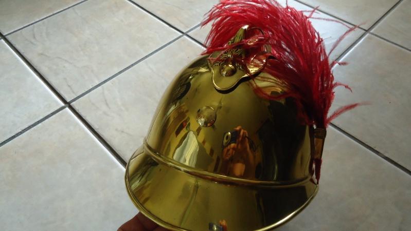 Evolution du casque de pompier FR 1812-2015 Dsc04910