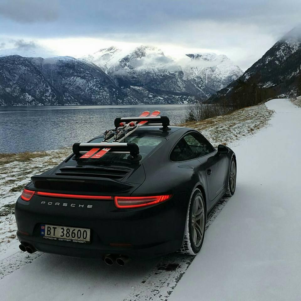 Porsche en hiver - Page 2 12510410
