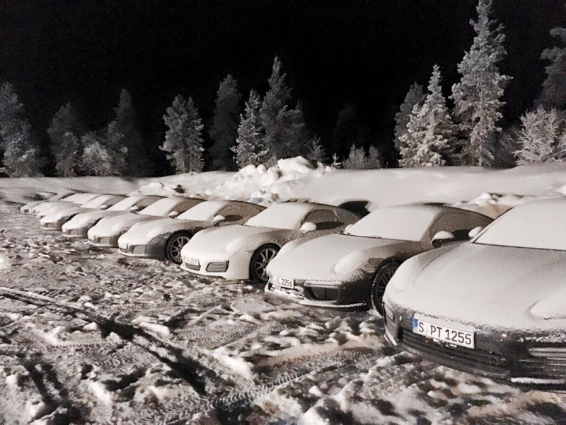 Porsche en hiver 12540712