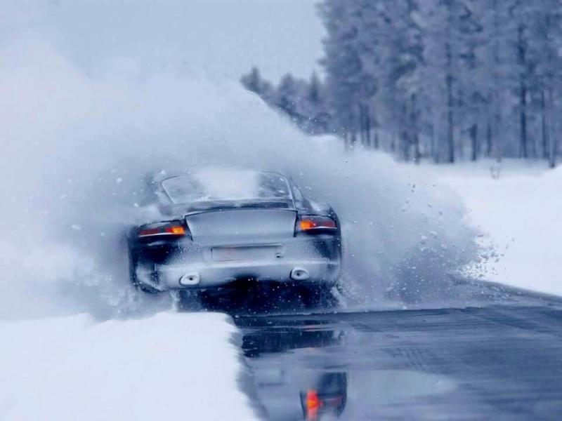 Porsche en hiver 94081910