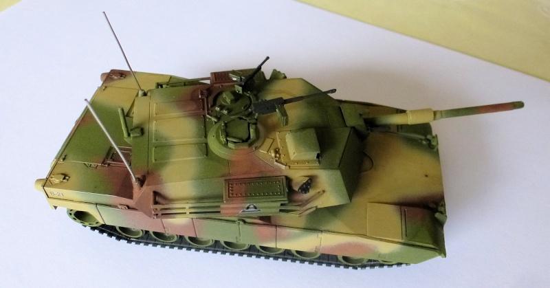M1 Abrams première génération M1_mat12