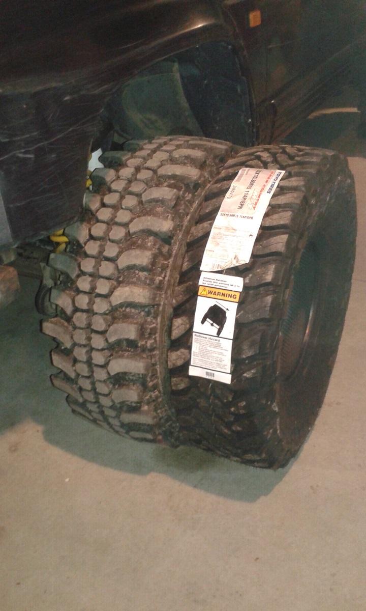 Vente Lot de pneus mud neufs Toyo1011