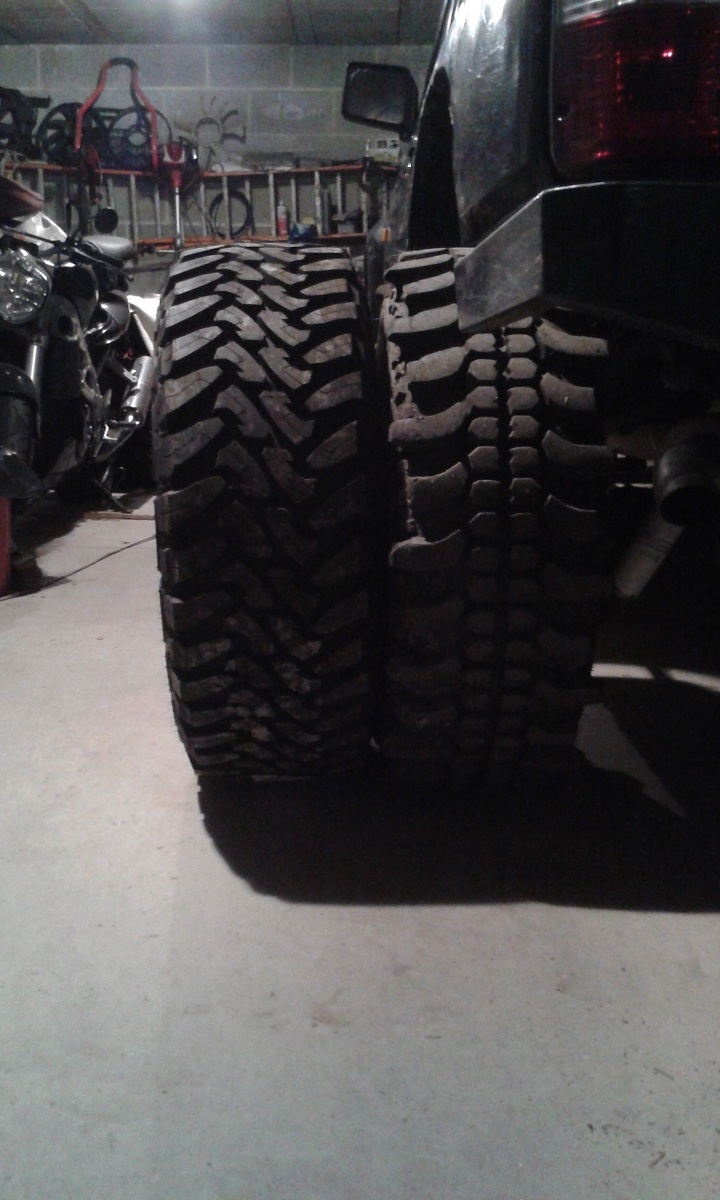 Vente Lot de pneus mud neufs Toyo1211