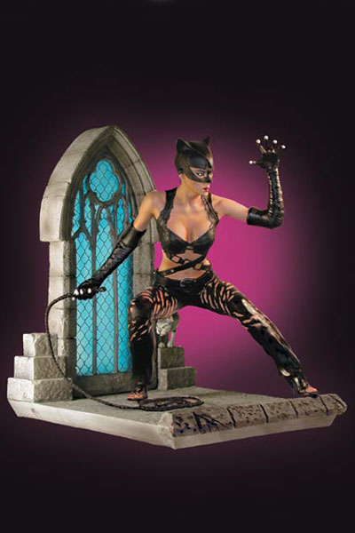 CATWOMAN MOVIE: HALLE BERRY AS CATWOMAN Statue 3520_a10