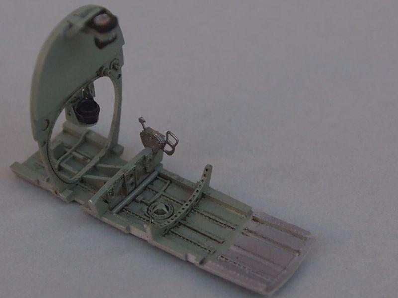 Spitfire Mk VIII Eduard au 1/48 Res0610