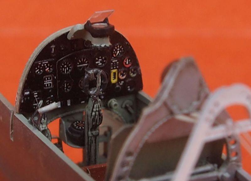 Spitfire Mk VIII Eduard au 1/48 Res1410