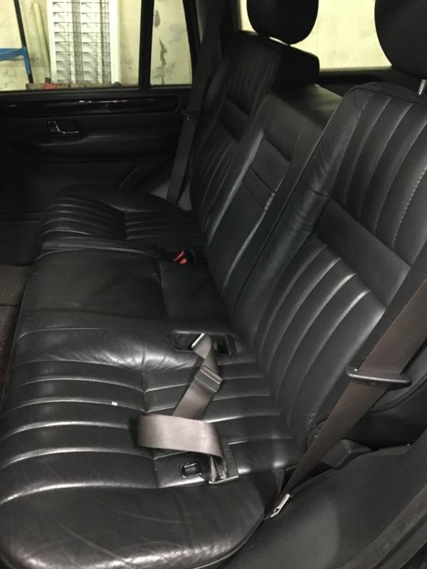 (VENDU)          intérieur noir complet avec garniture de portes et moquette Img_1511