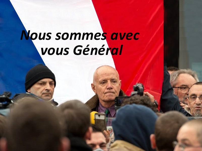 le général Piquemal sort du silence en venant à Calais malgré l'interdiction de la manifestation - arrestation du général Piquemal  - Page 6 4_gyny10