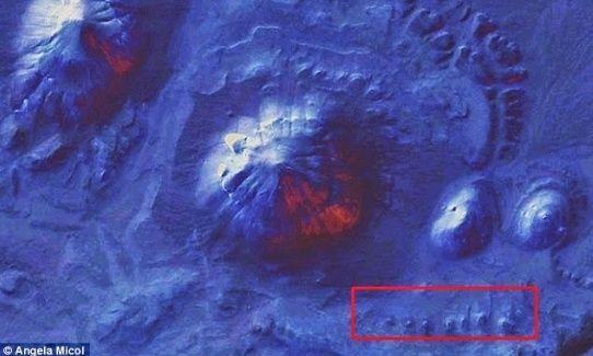 LES EGYPTIENS NE SONT PAS LES BATISSEURS DES PYRAMIDES   Pyrami11