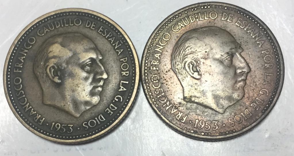 Aqui dejo 2 monedas de 2,50 pesetas . Puede ser un error ?. 1_pese10