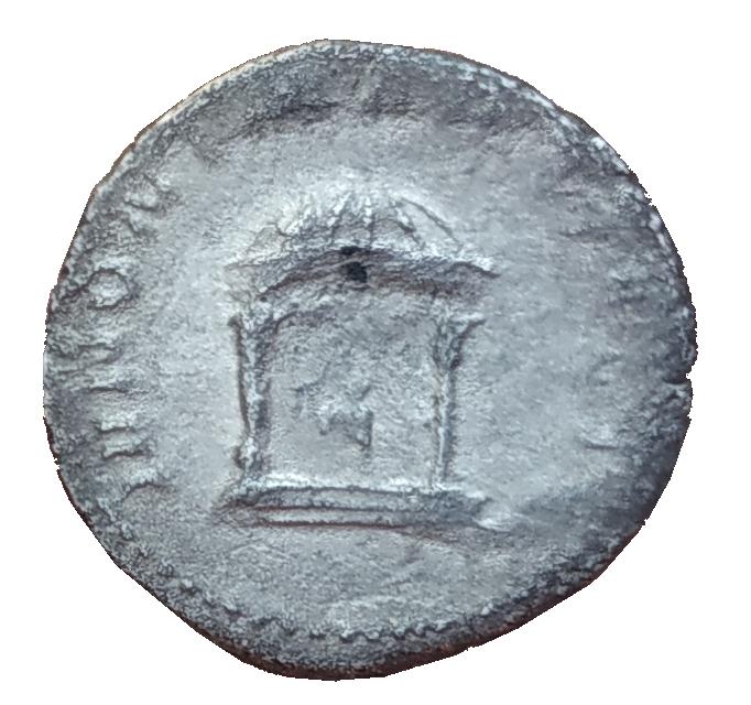 Antoniano de Volusiano. IVNONI MARTIALI. Juno detro de templo díctilo. Roma 2_4_ro10