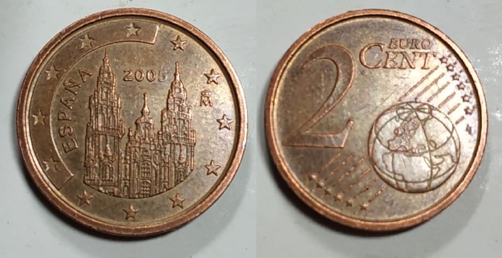Aqui os dejo una moneda de 2 centimos de euro de 2005. Error 200 2centi10