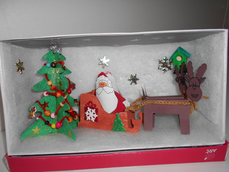 le Père Noel et ses rennes.... Dscn0011