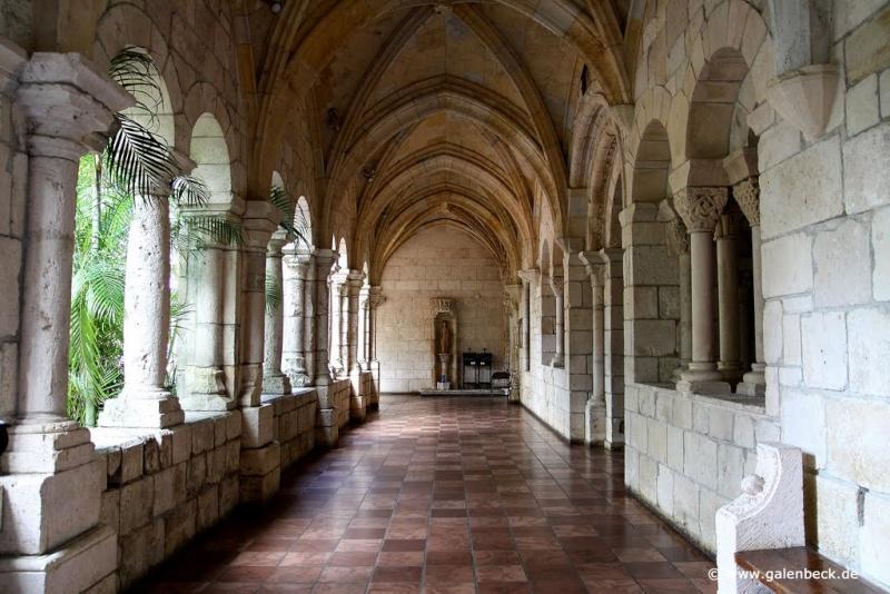 Déménagement de châteaux ou églises d'un continent à l'autre : mythe ou réalité ? 33720610
