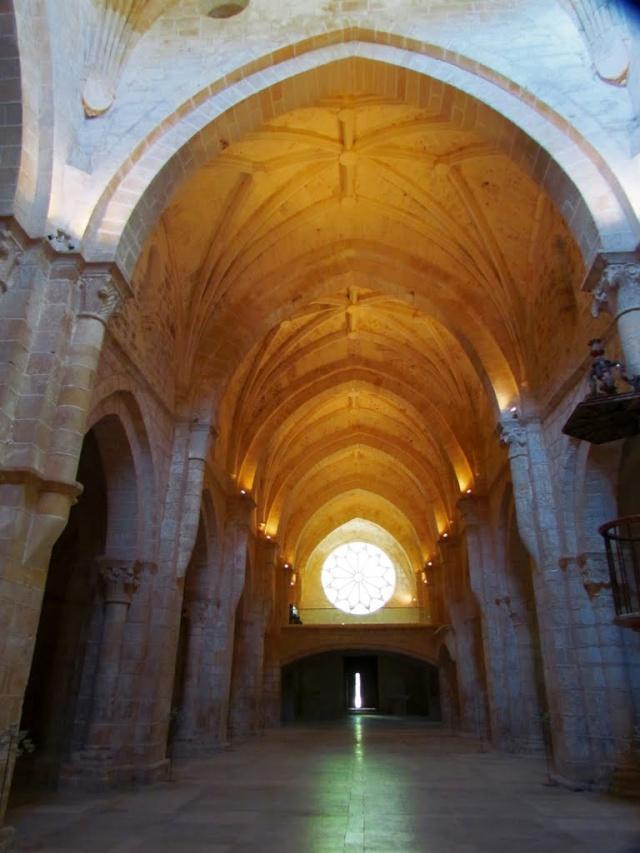 Déménagement de châteaux ou églises d'un continent à l'autre : mythe ou réalité ? 61903010