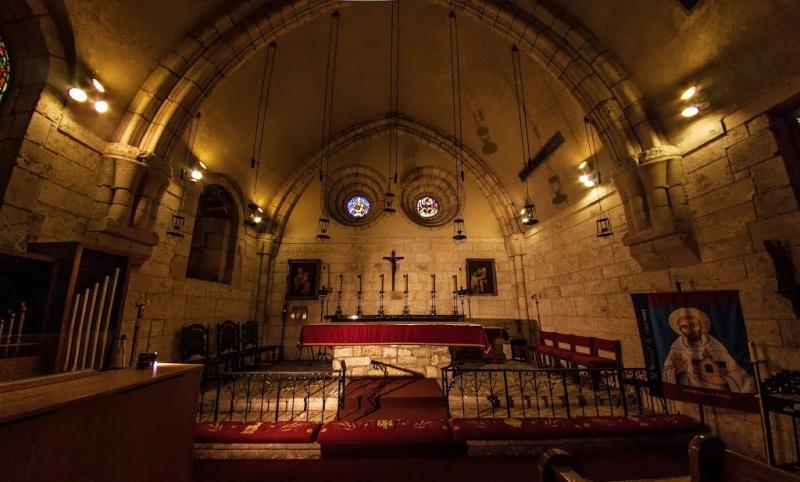 Déménagement de châteaux ou églises d'un continent à l'autre : mythe ou réalité ? 92959110
