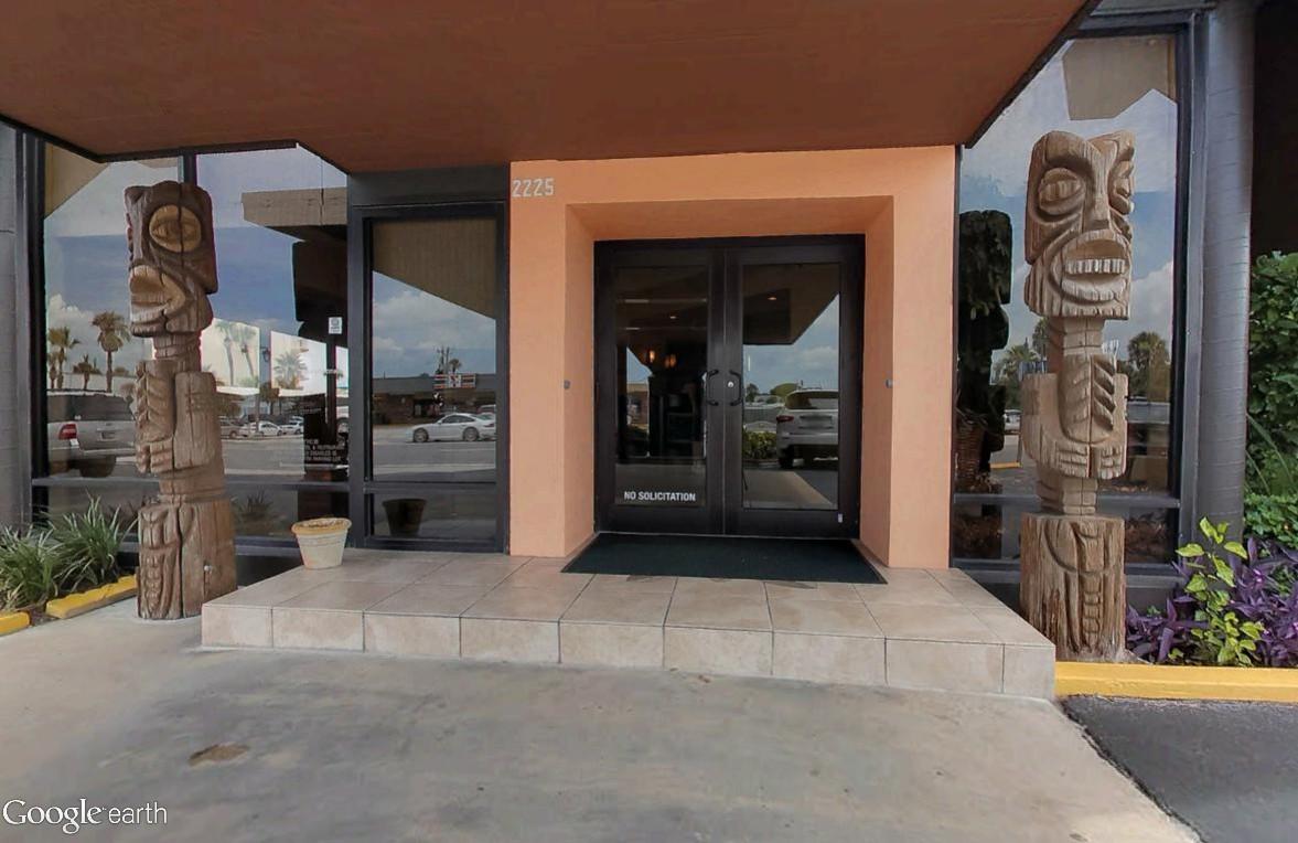 Architecture Tiki : l'ambiance du grand sud Aku_ti11