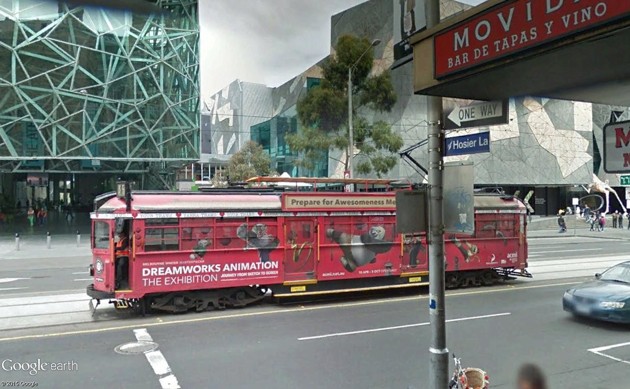 STREET VIEW : les tramways en action - Page 2 Meltra10
