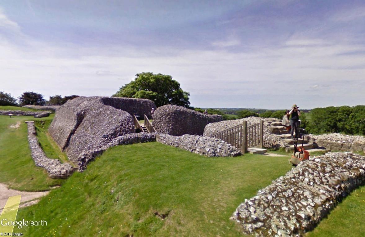 Old Sarum, Angleterre : une ville fortifiée vieille de 5000 ans Old_sa11