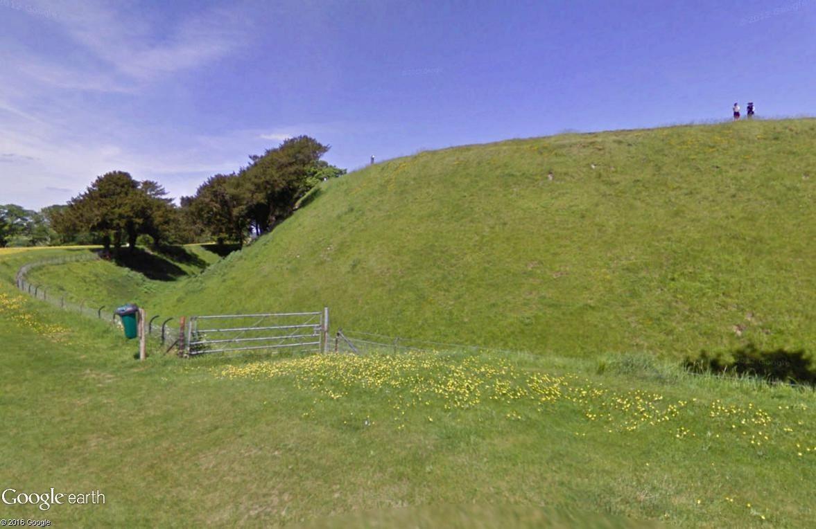 Old Sarum, Angleterre : une ville fortifiée vieille de 5000 ans Old_sa13