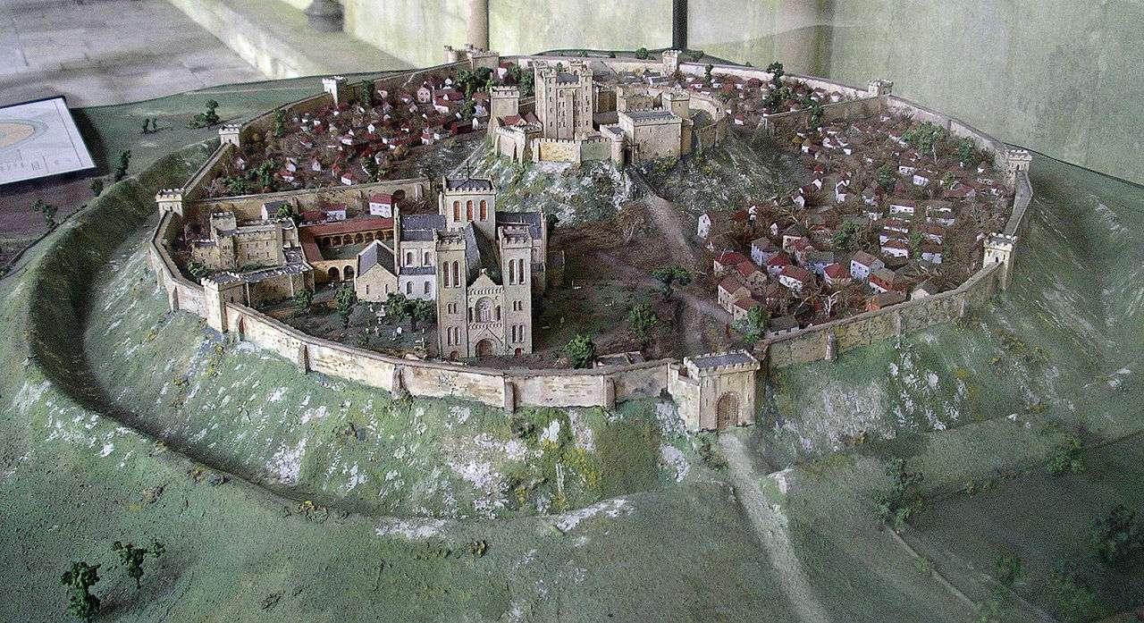Old Sarum, Angleterre : une ville fortifiée vieille de 5000 ans Old_sa14
