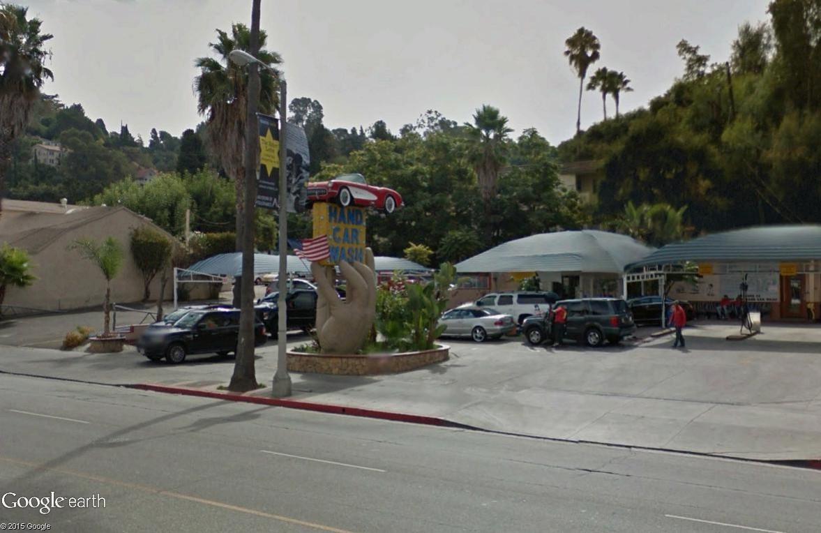 STREET VIEW : L'enseigne hors du commun du City Hand Car Wash (Studio City, Californie) Studio10
