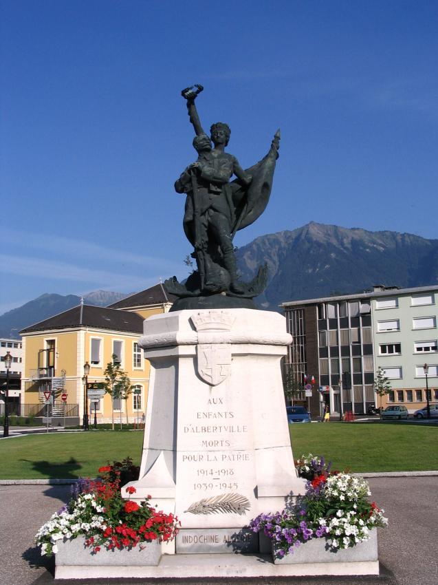 40 000 monuments pour 1 350 000 morts pendant la guerre de 14-18 [sujet collaboratif : on a besoin de vous !] Ville_10