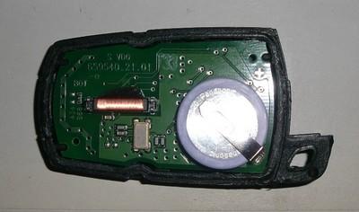 [ bmw E60 530d M57 an 2006 ] Changement de la batterie de la clé de contact (Résolu ) Accu_n10