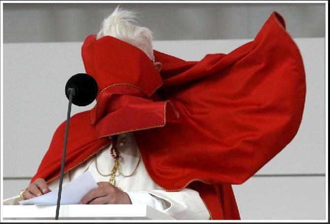 Savez-vous ce que c'est que les couilles du pape? Insoli11