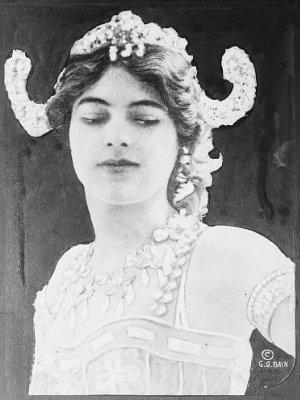 Mata Hari danseuse espionne Mata-h10