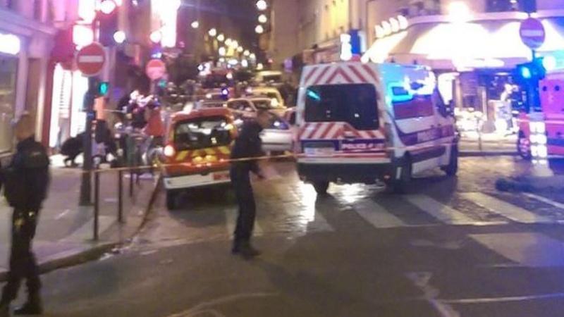 Les attentats des terroristes à Paris nov 2015 - Page 4 Paris310
