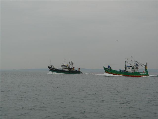 [VIE DES PORTS] Quelques bateaux de pêche (sur nos côtes Françaises) - Page 7 P1020014