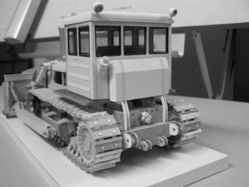 Kettentraktor T180-G  M1:20 gebaut von Klebegold - Seite 3 185kg10