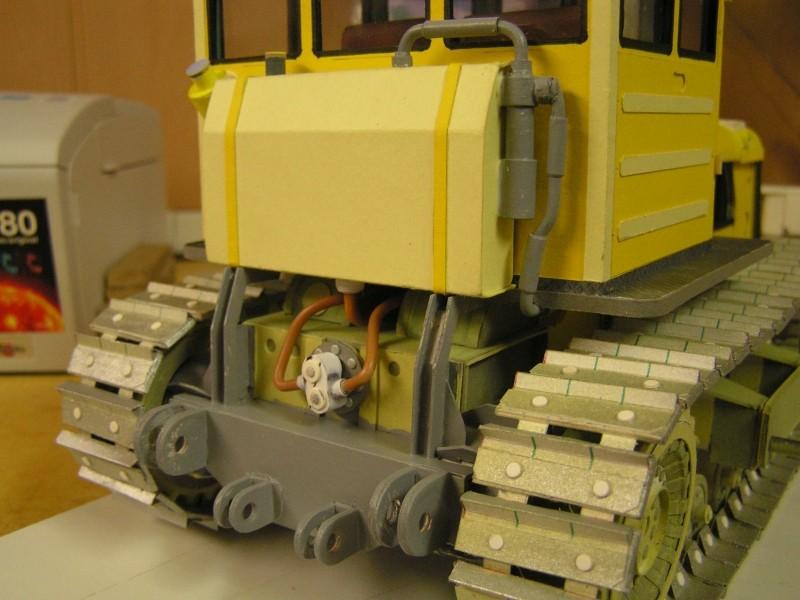 Kettentraktor T180-G  M1:20 gebaut von Klebegold - Seite 3 190k10
