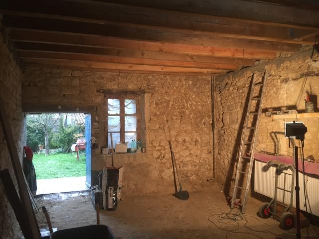 Restauration de toute une partie de la maison - Page 2 2015-110