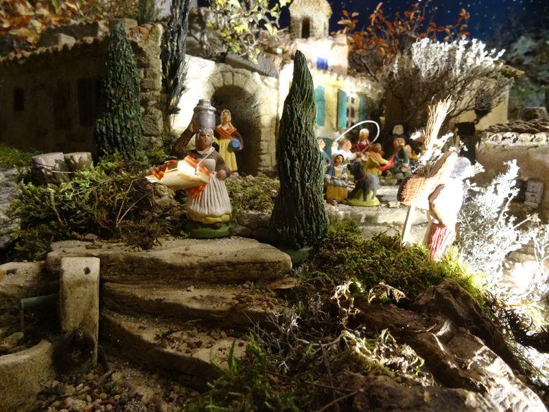 La crèche de Christiane de Carpentras 2015 Dsc08817
