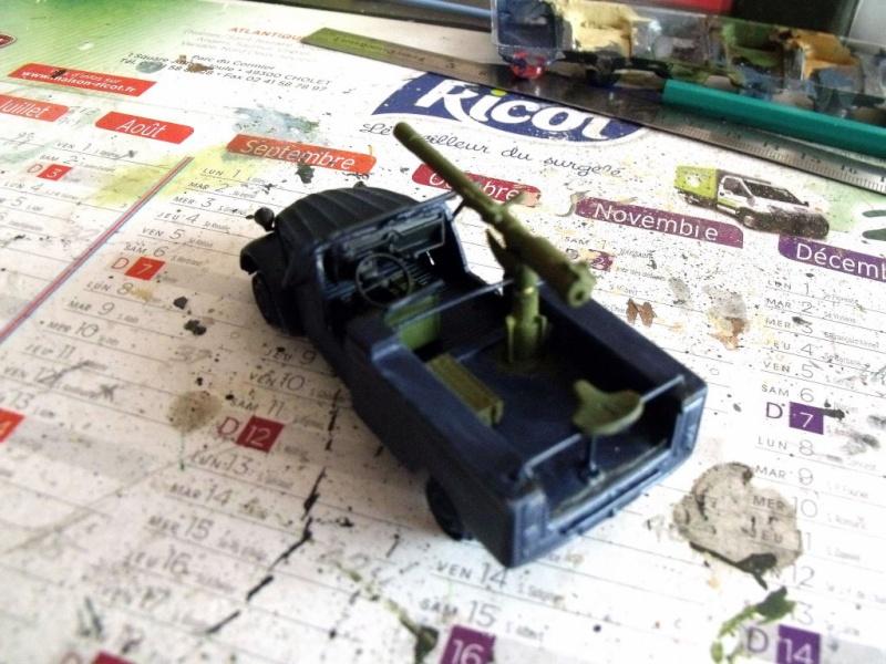 2 CV canon en scratch 1/43 base Norev 2cv_ca11