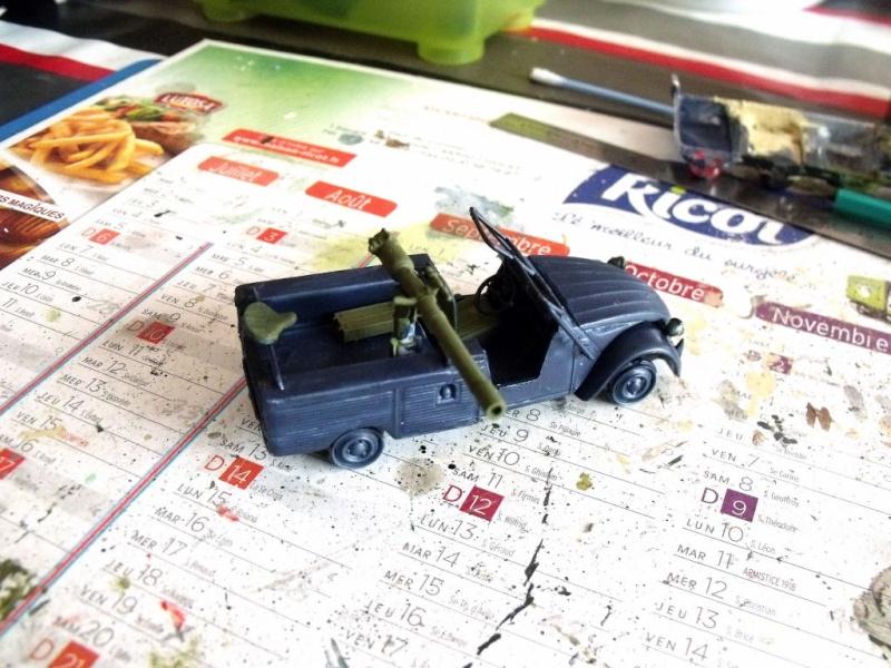 2 CV canon en scratch 1/43 base Norev 2cv_ca13