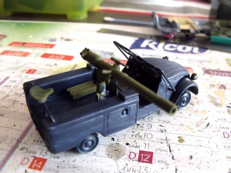 2 CV canon en scratch 1/43 base Norev 2cv_ca14