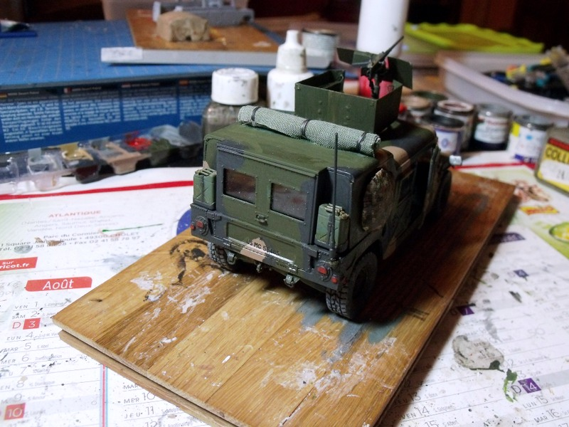 M 998 Desert Patrol au 1/35 Italeri - Page 2 Dscf7011