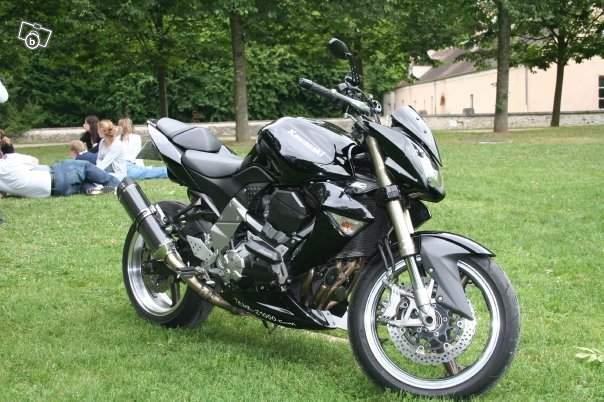 [VENDU] Z 1000 k7 noir full option 7200 euros 43978310