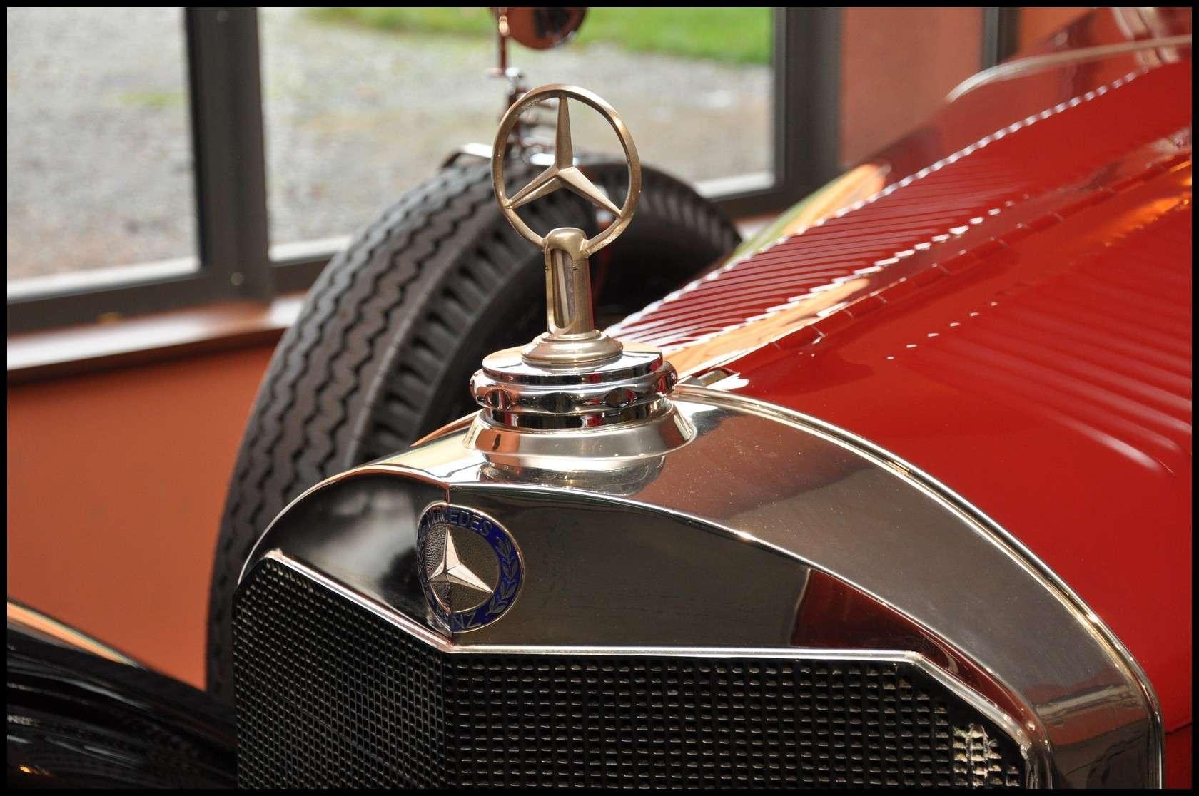 Mulhouse: La Cité de l' automobile, the largest car museum in the world. Merced11